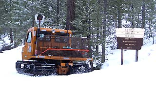 Snocat carries bears into field station
