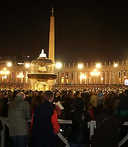 Mourners fill St. Peter's Square