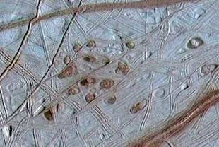 Surface of Europa may show frozen water