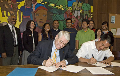 Chancellor and ASUC president sign memorandum of understanding