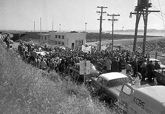 Protesters at San Quentin for Caryl Chessman's execution