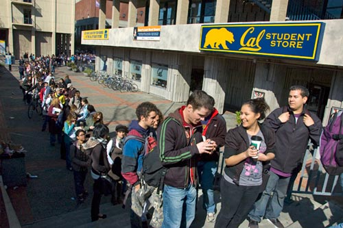 Students lined up for Dalai Lama tickets