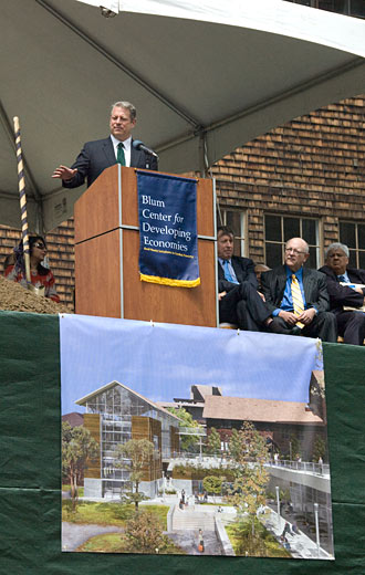 Al Gore speaks at the groundbreaking