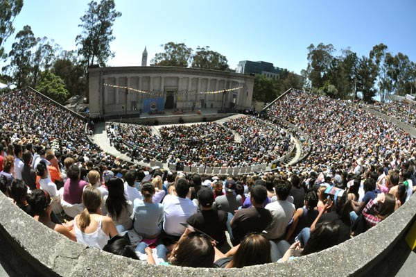 Greek Theatre crowd