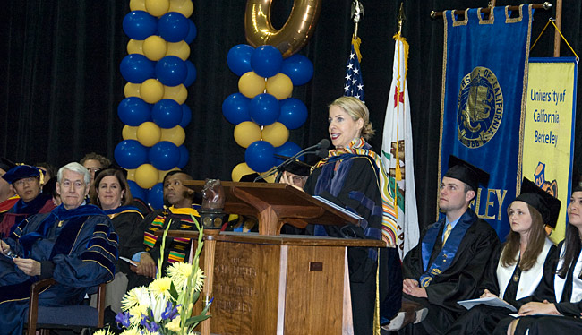 Tiffany Shlain at podium for commencement