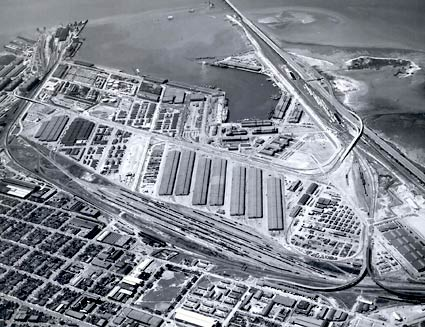Aerial view of the Oakland Army base from 1950