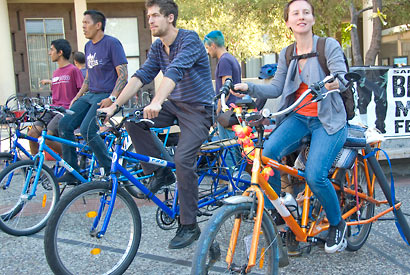 At Campus Bike Day, students kick off bicycle-commuting campaign