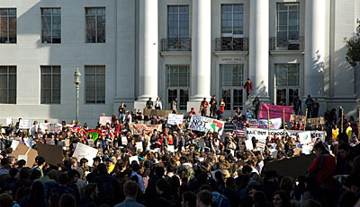 Crowd gathers at Sproul Plaza Nov. 9
