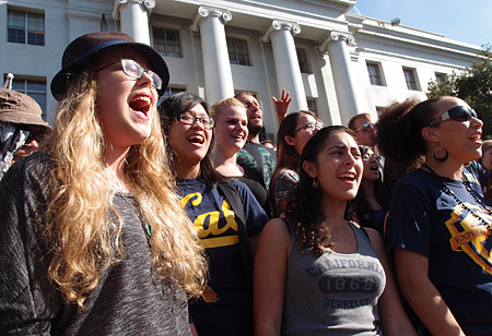Choir on Sproul steps