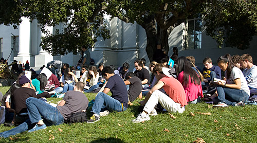 Students on the lawn in front of Sproul Hall on Thursday