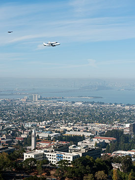Shuttle flies over Berkeley