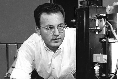 Physics Nobelist and biotech pioneer Donald Glaser dies at 86