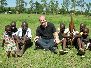 Jay Keasling and Kenyan kids.